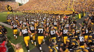 hawkeyes-on-field