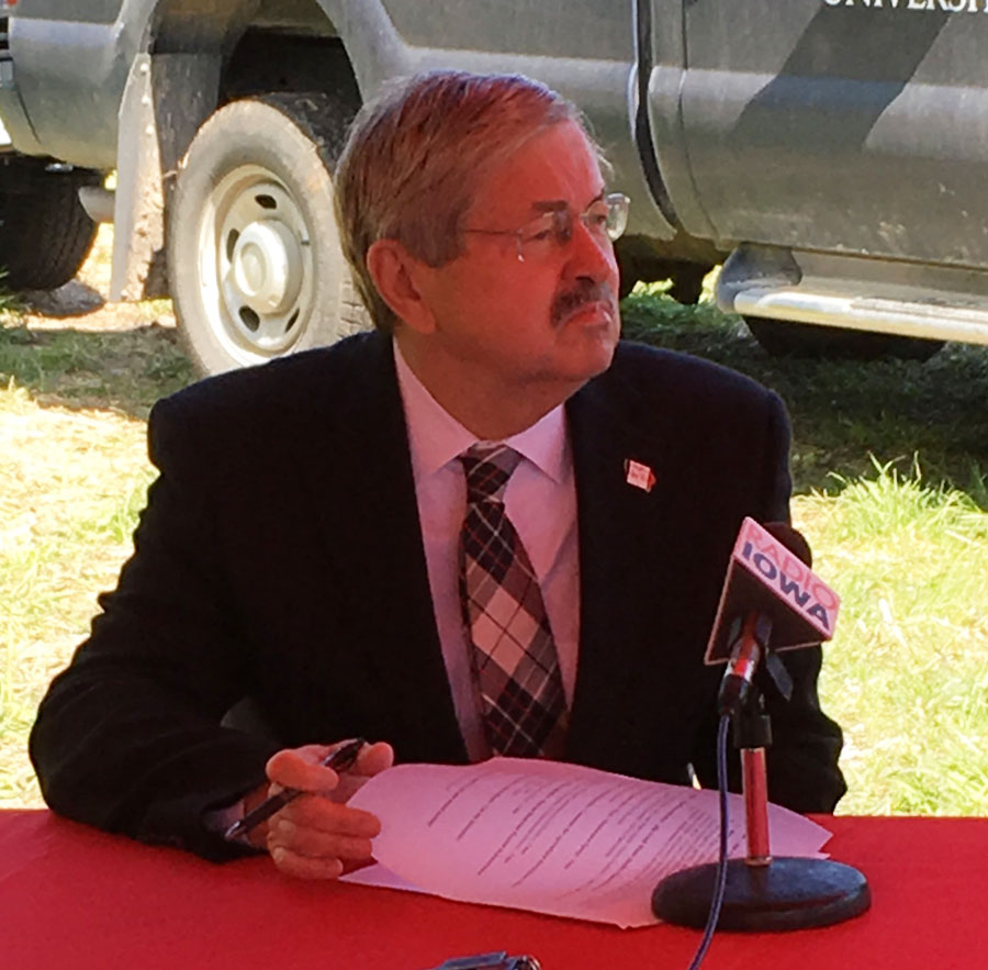 Iowa Gov. Branstad signs abortion, voter ID bills into law