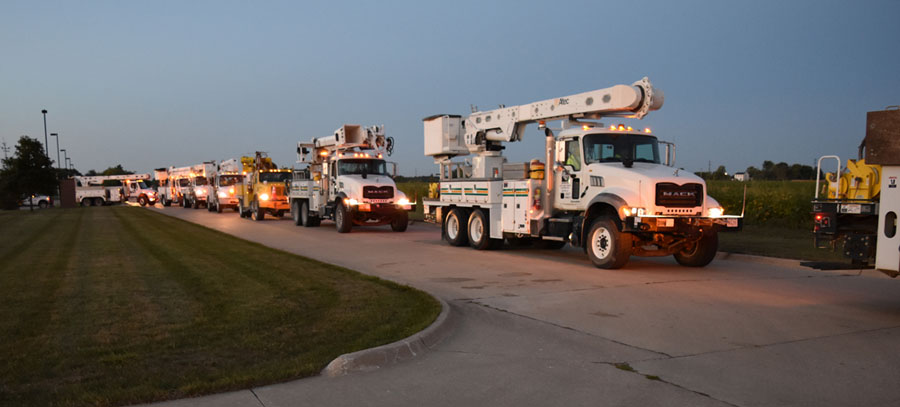 Iowa Utility Workers Part Of Mive Effort To Fix Florida S Electric System