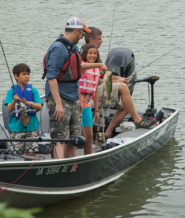 Countdown begins to iowa 39 s annual free fishing weekend for Iowa fishing license