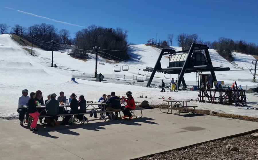 Warm weather melts away business for Iowa's ski areas ...